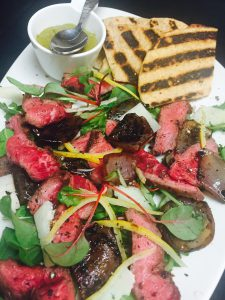 bimini-steakhouse-grilled-wagyu-flat-iron-steak-salad-with-flatbread-and-chimichurri
